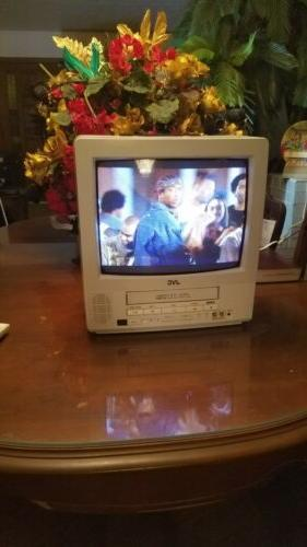 """JVC 13"""" CRT 13142W VCR VHS Combo Retro Gaming Television With"""