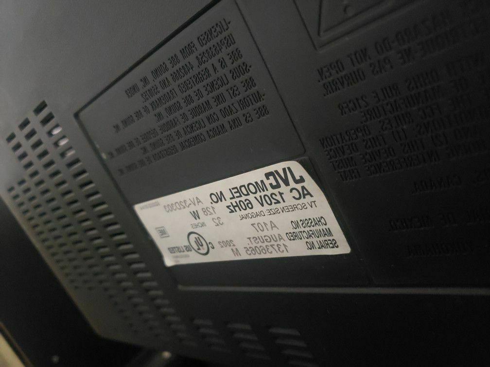 JVC 32D303 TV Gaming